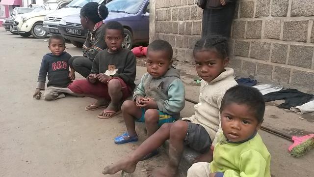 Enfants des rues d'Antananarivo