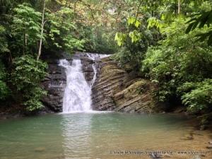 Poza azul, en Dominicalito